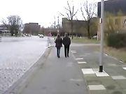 Donna fa sesso con uomo in luoghi pubblici