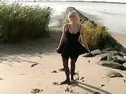 Coppia tedesca fa sesso in spiaggia