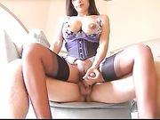 Sexy donna asiatica ha sesso con uomo bianco