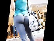 Culo perfetto in pantaloni stretti per le strade