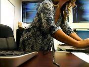 Segretario nudo alla diretta streaming ufficio