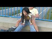 Coppia fa sesso in una strada pubblica